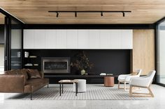 The Courtyard House by FIGR Architecture & Design in Templestowe, Australia is a modern home with centrally located courtyard. Lounge Room, House Design, Living Room Interior, Room Design, Interior Design, Ceiling Design Modern, House Ceiling Design, Interior, Courtyard House