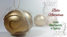 Apenda a fazer essa bola natalina utilizando bola de isopor, barbante e tinta spray