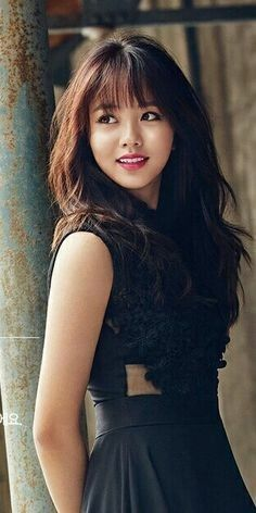 leaning back to wall post, over shoulder side lit natural light. Kim So Hyun Pretty Asian, Beautiful Asian Women, Korean Women, Korean Girl, Korean Beauty, Asian Beauty, Asian Celebrities, Celebs, Kim Sohyun