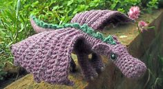 [Free Pattern] Adorable Fierce Little Dragon ༺✿ƬⱤღ  https://www.pinterest.com/teretegui/✿༻