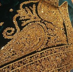 Embroidery Zardosi Embroidery, Couture Embroidery, Embroidery Fashion, Embroidery Suits Design, Bead Embroidery Patterns, Hand Embroidery Designs, Pakistani Wedding Outfits, Pakistani Dresses, Choice Fashion