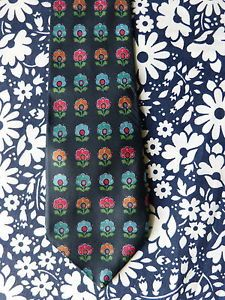 Wide navy blue necktie with stylised flowers pattern - French 90s vintage