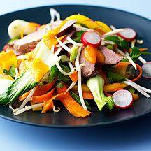 Exotischer Salat mit Entenbrust
