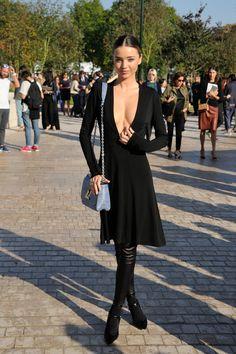 miranda-kerr-louis-vuitton-show-paris-fashion-week-womenswear-springsummer-2015-paris-1012014-70.jpg (2432×3649)