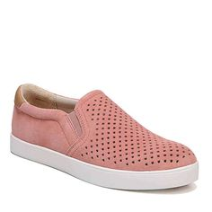 If you want travel walking shoes that are comfortable AND stylish, this roundup of the best travel shoes is for you! Flats, sandals and sneakers for women included. Black Slip On Sneakers, Slip On Shoes, Best Walking Shoes, Travel Shoes, Comfortable Sneakers, Adidas, Womens Shoes Wedges, Casual Shoes, Comfy Shoes