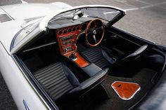 トヨタ 2000GT のオープンカータイプは2台だけ製作された
