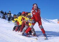 Appartements Stockinger: Skifahren und Spaß mit der Familie Innsbruck, Swarovski Crystal World, Tyrol Austria, Austria Travel, Holiday Apartments, India Tour, Fitness Gifts, Travel Companies, Sport Socks
