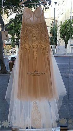Highly seductive curvy bridal gown from Studio Levana 2018