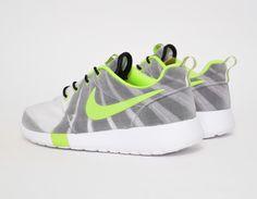 #Nike Roshe Run FV QuickStrike WMNS Pulso Forte #sneakers