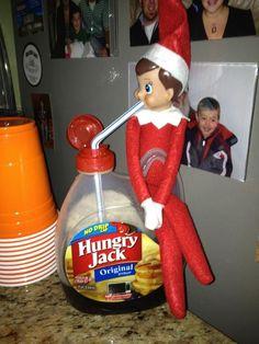 Elf on shelf idea : Buddy the Elf would love!
