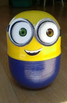 Petit minion Bob fait avec une capsule kinder géante !!!