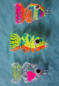 Find water bottle crafts for kids. 12 water bottle crafts for kids. They will love these plastic bottle craft ideas to keep them busy. Plastic bottle crafts are frugal and tons of fun for kids! Kids Crafts, Sea Crafts, Summer Crafts, Preschool Crafts, Arts And Crafts, Preschool Christmas, Christmas Crafts, Water Bottle Crafts, Plastic Bottle Crafts