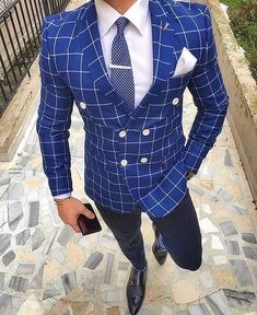 Men's Royal Blue Double Breasted Suit Up To Blue Blazer Outfit, Blazer Outfits Men, Mens Fashion Suits, Mens Suits, Suit Men, Classy Suits, Style Masculin, Moda Emo, Designer Suits For Men
