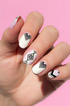 aztec nail art, summer nails Aztec Nail Designs, Elegant Nail Designs, White Nail Designs, Elegant Nails, Nail Polish Designs, Nail Art Designs, Nail Art Tribal, Tribal Nails, New Nail Art