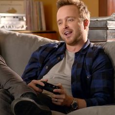 Xbox One Aaron Paul Commercial