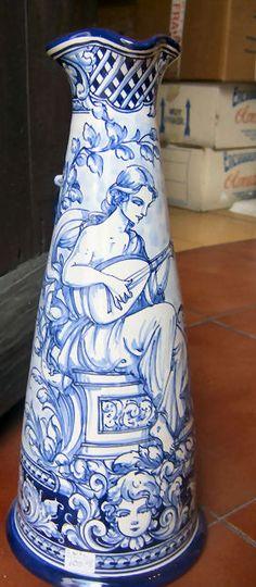 Spanish Ceramic Toledo Robles                                                                                                                                                                                 Mais