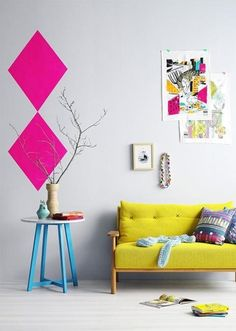 Colour design yellow sofa living room color ideas of home Trends 2015 Yellow Sofa, Pink Yellow, Bright Yellow, Hot Pink, Magenta, Rose Fushia, Yellow Table, Green Sofa, Mustard Yellow