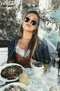 Womens Fashion and Style ideas. Klick to see the Price and shop Trendy Outfits, Cute Outfits, Fashion Outfits, Womens Fashion, Tumblr Girls, Pretty People, Spring Summer Fashion, Dress To Impress, Winter Outfits