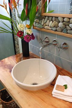 beach bathroom, like the rocks in the box, would like better as a tray on the counter