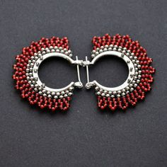 Brick Stitch Earrings, Seed Bead Earrings, Diy Earrings, Earrings Handmade, Handmade Jewelry, Beaded Earrings Patterns, Beaded Jewelry Designs, Necklace Designs, Tatting Jewelry