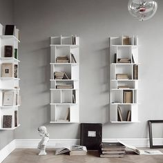 Christine Thorsteinsson from BoConcept gives her tips for finding the best storage, even in small spaces (A Merry Mishap) Boconcept, Almirah Designs, Etagere Design, Classy Living Room, Wall Bookshelves, Bookcase, Small Space Storage, Decorating Small Spaces, Fashion Room