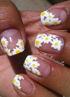 daisy nails (: aber MIT unterlack !