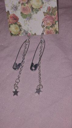 Grunge Accessories, Grunge Jewelry, Girls Accessories, Jewelry Accessories, Ear Jewelry, Girls Jewelry, Cute Jewelry, Jewelry Shop, Funky Earrings
