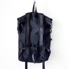 WONDER BAGGAGE ワンダーバゲージ / Activate roll top backpack アクティベート ロールトップ バックパック【正規取扱店】struct / ストラクト【送料無料】blueover + WONDER BAGGAGEの旗艦店。国内・関西のブランドもセレクトしています。 / ブルーオーバー ワンダーバゲージ マニュアル アルファベット クーチューキャンプ オーディナリーフィッツ ケパニ ソリア イッシン サンカ オルテライン 水沢ダウン Manual Alphabet ACT13 Kepani Ordinary fits COOCHUCAMP soglia 1sin DESCENTE ALLTERRAIN sanca
