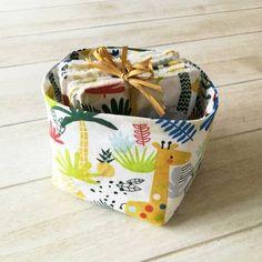 Lot de 10 Lingettes Lavables Bébé et son Panier en Tissu Artisanal, Bio, Lunch Box, Change, Best Gifts, Bento Box