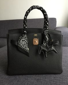 Find tips and tricks, amazing ideas for Hermes handbags. Discover and try out new things about Hermes handbags site Hermes Handbags, Replica Handbags, Handbags Online, Purses And Handbags, Cheap Handbags, Popular Handbags, Cheap Purses, Hobo Purses, Unique Handbags