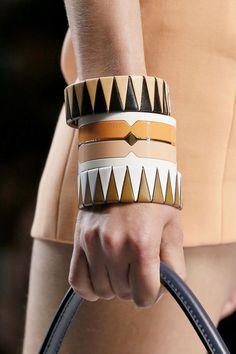 Les joncs de Fendi Paris Fashion Week Printemps/Ete 2013