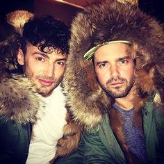 "Gefällt 49 Mal, 3 Kommentare - Fur Fetish Men (@furfetishmen) auf Instagram: ""@spencermatthews looking unapologetic in some amazing real fur trim  #fur #furfetish #meninfur…"""