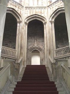 Margam Castle - Interior Staircase This is what I want in my house when you first walk in the door. Beautiful Architecture, Beautiful Buildings, Beautiful Places, Interior Staircase, Interior Architecture, Stairway To Heaven, Kirchen, Abandoned Places, Stairways