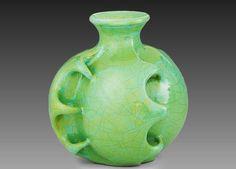 Gorka Géza - Art deco váza Art Deco Glass, Royal Doulton, Pottery Art, Ceramic Art, Stoneware, Art Nouveau, Perfume Bottles, Clarice Cliff, Porcelain