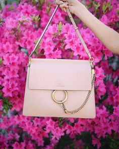 For most women, getting a genuine designer bag is just not something to rush straight into. Since these bags can easily be so high priced, ladies sometimes worry over their choices before making an actual ladies handbag acquisition. Spring Handbags, Purses And Handbags, Hermes, Chloe Bag, Online Bags, Beautiful Bags, Fashion Bags, Women's Fashion, Ladies Fashion