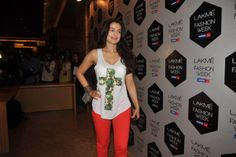 Amisha Patel at Lakme Fashion Week Winter Festival 2012.   Bollywood Cleavage