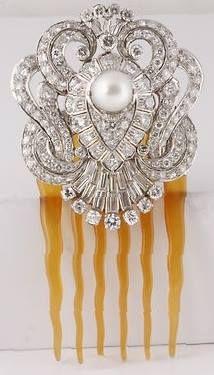 Art Deco Platinum 12 Carat Diamond South Sea Pearl