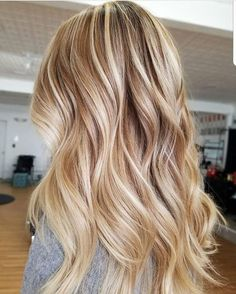 Balayage Blonde Ends - 20 Fabulous Brown Hair with Blonde Highlights Looks to Love - The Trending Hairstyle Hot Hair Colors, Ombre Hair Color, Cool Hair Color, Hair Colors For Blondes, Cheveux Beiges, Brown With Blonde Highlights, Golden Highlights, Light Highlights, Highlighted Blonde Hair