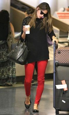 looks de aeroporto | legging | red pant | sapatilha