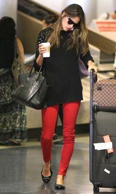 looks de aeroporto | legging | red pant | sapatilha
