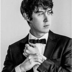Alex Sharp To The Bone (Actor)