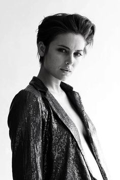 omfg Jessica Stroup styled all tomboy, how have i never seen this before