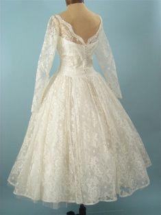 1950s tea length wedding dress, vintage wedding gown. Such a pretty neckline