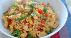 Slimming world Chicken, Red Pepper and Sweetcorn Risotto. Sweet Chilli Sauce gives this a nice kick! Free on extra easy - or green substitute quorn chicken pieces. Slimming World Dinners, Slimming Eats, Slimming World Recipes, Wrap Recipes, Baby Food Recipes, Cooking Recipes, Toddler Recipes, Gf Recipes, Chicken Recipes