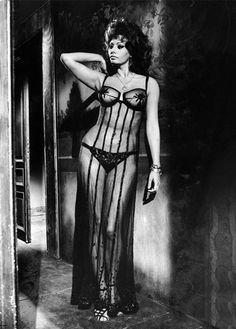 "Sophia Loren in ""Matrimonio all'italiana"" (1964) Director: Vittorio De Sica."