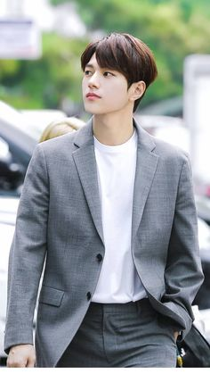 🍃🌿 You are my angel You're by my side Always, always stay here forever 💫 . Drama Korea, Korean Drama, Asian Actors, Korean Actors, L Kpop, Kim Myungsoo, L Infinite, Lee Sungyeol, Korea Boy