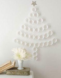 Un árbol de Navidad sencillo, bonito y barato Diy Christmas Art, Christmas Tree Cupcakes, Diy Christmas Decorations Easy, Noel Christmas, White Christmas, Cupcake Tree, Paper Cupcake, Diy Cupcake, French Christmas