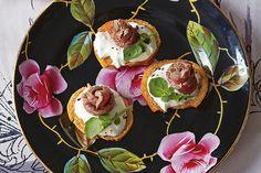 Rose Beef Bites with Horseradish Cream recipe