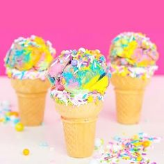 Alllll I wanna do is eat rainbow ice cream!! Hey, @aww.sam can you bring me some of yours??! #awwsamsweettooth