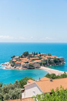 A comprehensive one week Montenegro itinerary covering the Old Towns of Kotor and Budva, as well as Sveti Stefan, day trips to national parks and more! Family Vacation Spots, Vacation Trips, Day Trips, Places To Travel, Places To Visit, Travel Destinations, Montenegro Travel, Best Vacations, Summer Travel